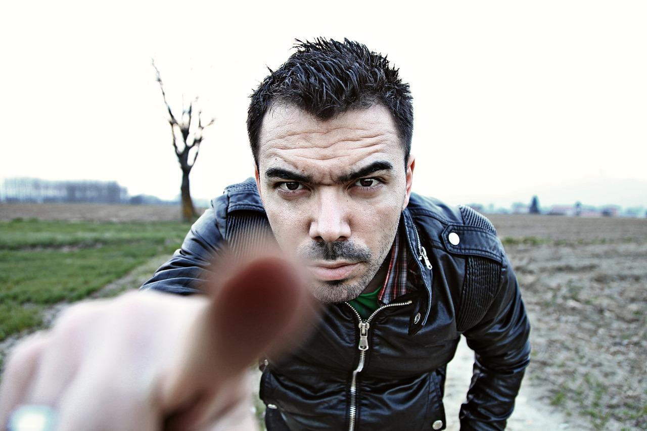 Man_pointing_finger